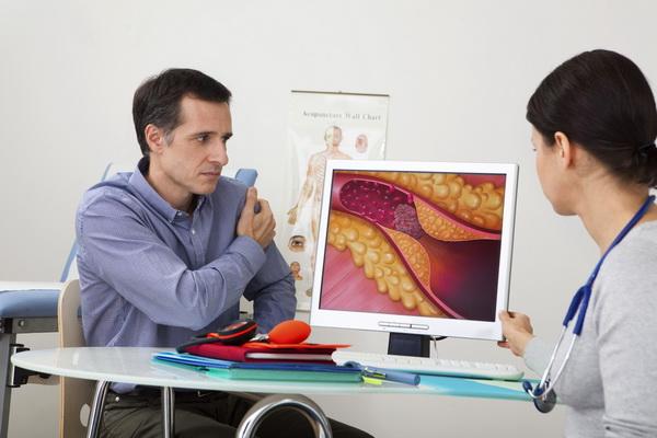 На приеме при повышенном уровне холестерина