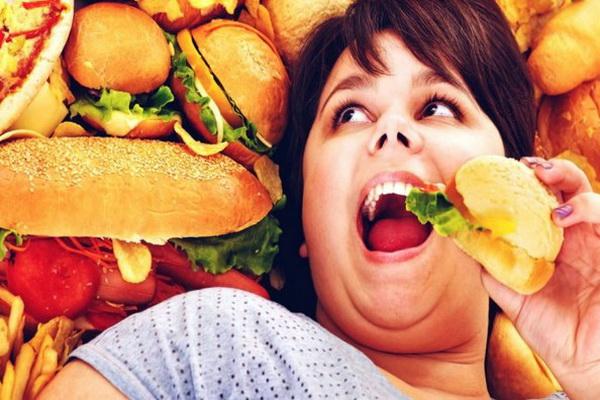 Неправильное питание приводит к высокому уровню холестерина