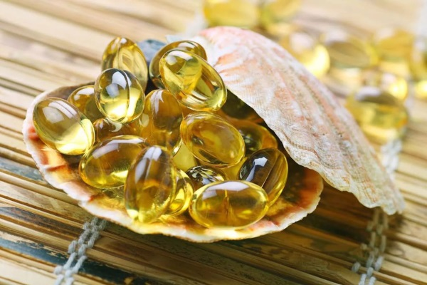 В состав рыбьего жира входят витамины и Омега-3
