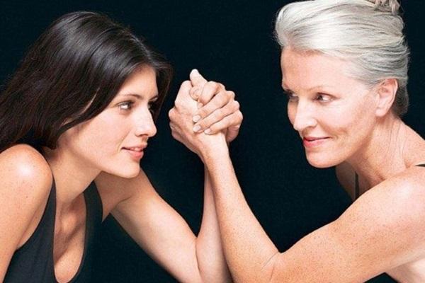 После 50 лет концентрация холестерина у женщин начинает стремительно расти