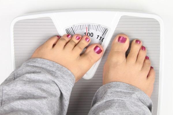 Весы показывают около 100 кг
